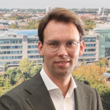 Mr. dr. R.  de Graaff);